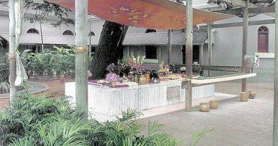Samadhi at Sri Aurobindo Ashram