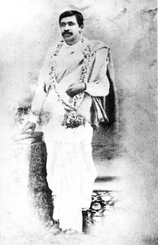The outbreak of the agitation against the partition of Bengal in 1905 gave him the opportunity to give up the Baroda Service and join openly in the political movement. He left Baroda in 1906 and went to Calcutta as Principal of the newly -founded Bengal National College.